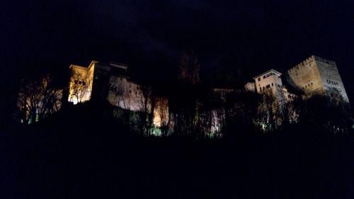 Alhambra bei Nacht