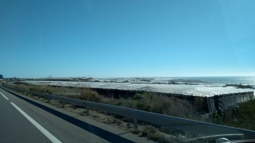Los Plasticos entlang der Autobahn